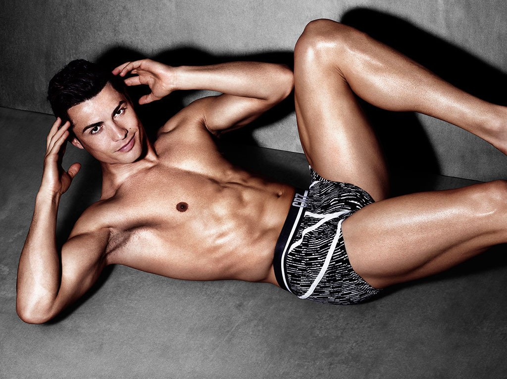 Luscious CR7 shows us his tight underwear